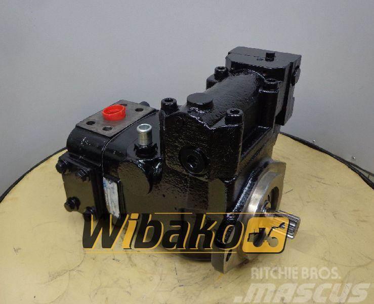 Volvo Hydraulic pump / Pompa hydrauliczna Volvo 11173537