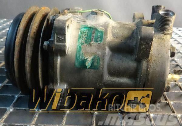 Volvo Sprężarka klimatyzacji Volvo 8053 195180603