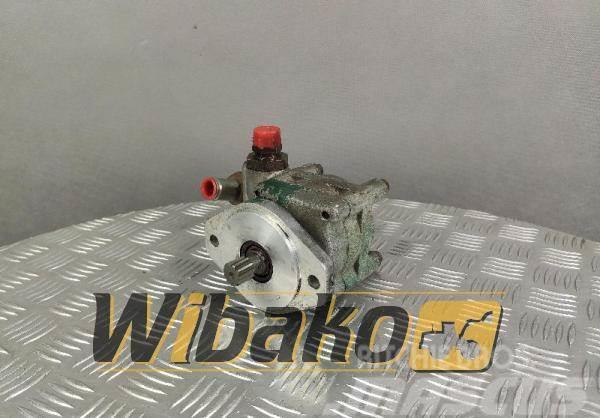 ZF Gear pump ZF 7686955722 35404178085