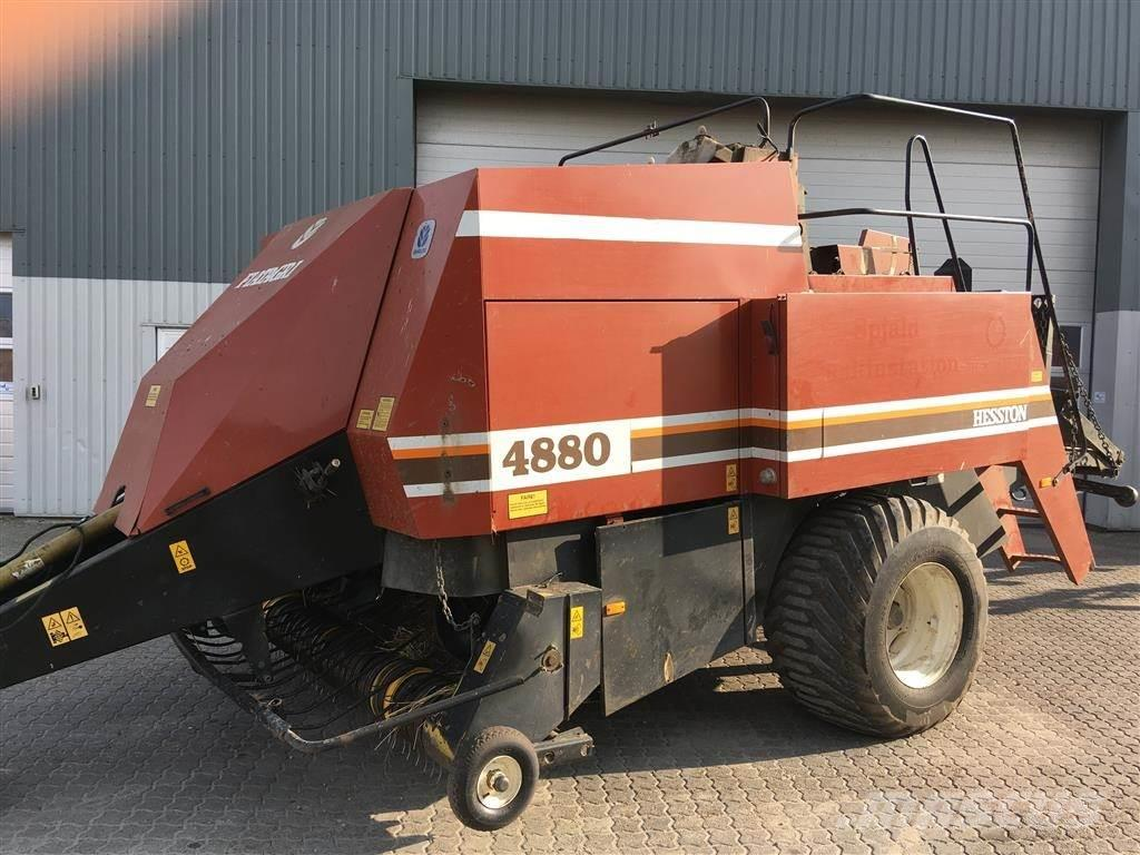 New Holland 4880 (90x120)