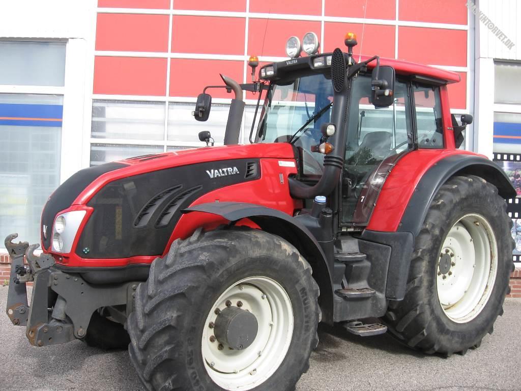 Valtra T213V, Traktorer, Landbrug
