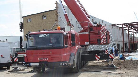 cranes finance international gmbh co kg unternehmen f r baumaschinen wilhelmshaven. Black Bedroom Furniture Sets. Home Design Ideas